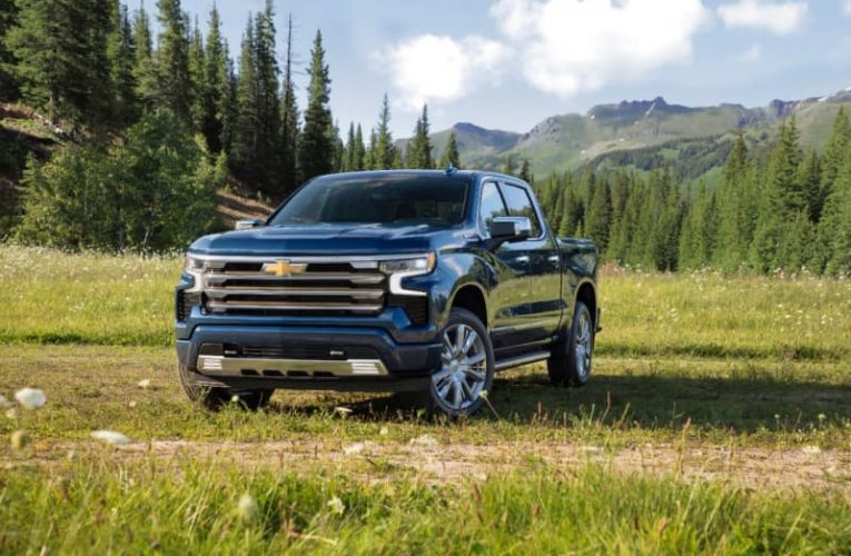 2022 CHEVROLET SILVERADO 1500 HIGH COUNTRY ADDS SUPER CRUISE, MORE LUXURY