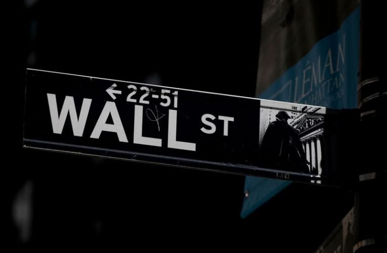 Wall St slides, S&P 500 posts worst month, quarter since COVID outbreak