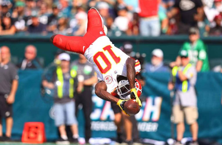 Chiefs 42, Eagles 30: Insta-reaction from balanced offensive onslaught in Philadelphia